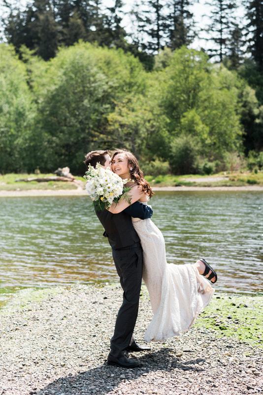 Bellingham Wedding Photographer, Caylie Mash Photography, Marine Park, Bellingham Ferry Terminal
