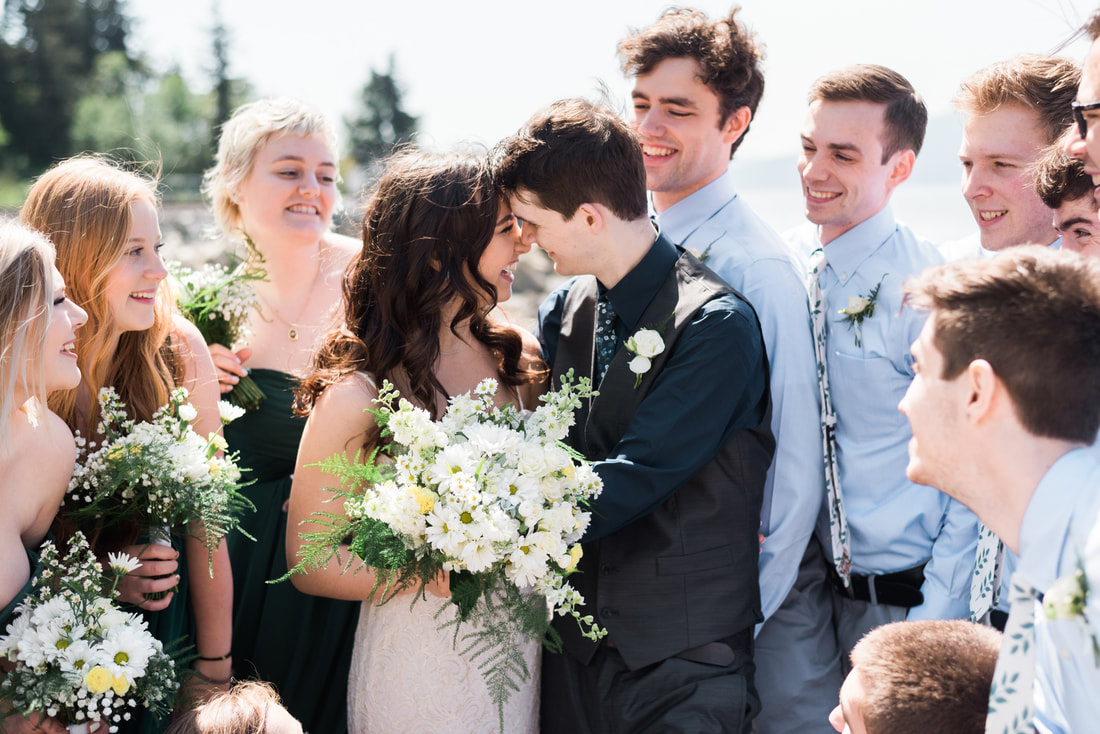 Bellingham Wedding Photographer, Caylie Mash Photography, Marine Park, Bellingham Ferry Terminal, Blush Blossom Floral