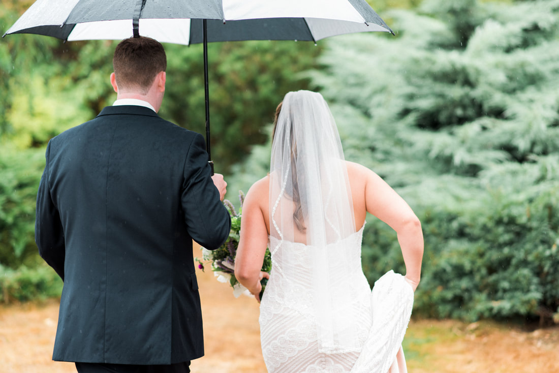 Caylie Mash Photography, Bellingham Washington Wedding and Engagement Photographer, Whatcom County, Pacific Northwest Rainy Backyard Wedding, PNW