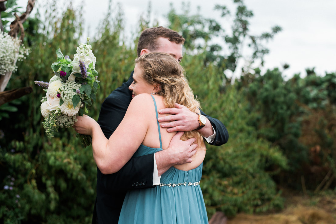 Caylie Mash Photography, Bellingham Washington Wedding and Engagement Photographer, Whatcom County, Rainy Pacific Northwest Backyard Wedding, PNW, Ceremony, Brother Sister