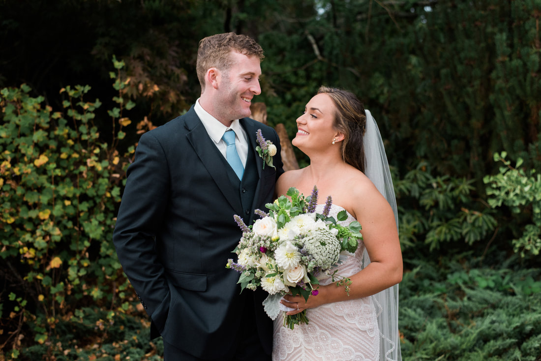 Caylie Mash Photography, Bellingham Washington Wedding and Engagement Photographer, Whatcom County, Rainy Pacific Northwest Backyard Wedding, PNW, Bride and Groom Portraits