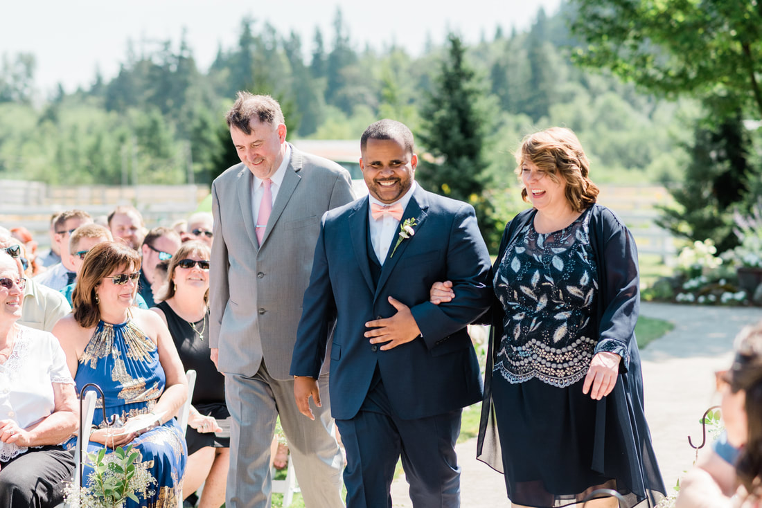 Bellingham Wedding Photographer, Caylie Mash Photography, Rein Fire Ranch, King County, Ceremony